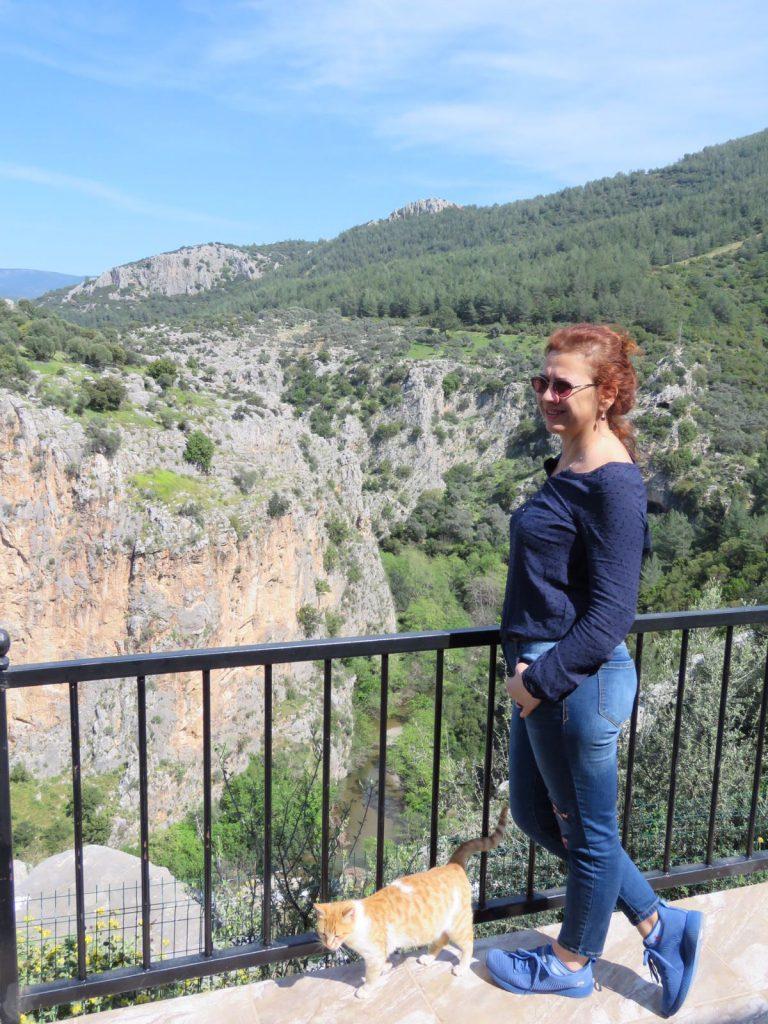Kanyondan Mağaraya