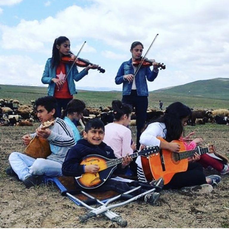 Read more about the article Müzik Varsa Hayat Daha Güzel